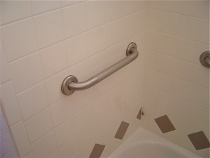 grab bar at end of tub uswed for getting in and out