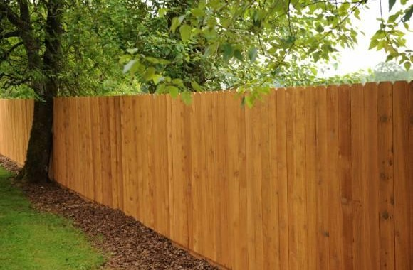 Fence Materials: Cedar Fencing & Other Styles For A Private Yard